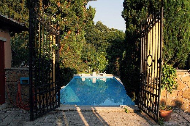 Bazénová fólie aneb na tvaru i velikosti záleží