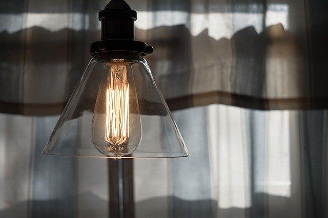 žárovka s krytem